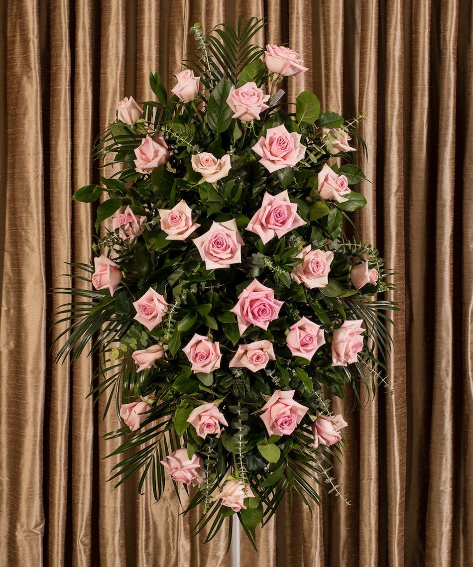 Pink rose standing spray kittelberger florist izmirmasajfo