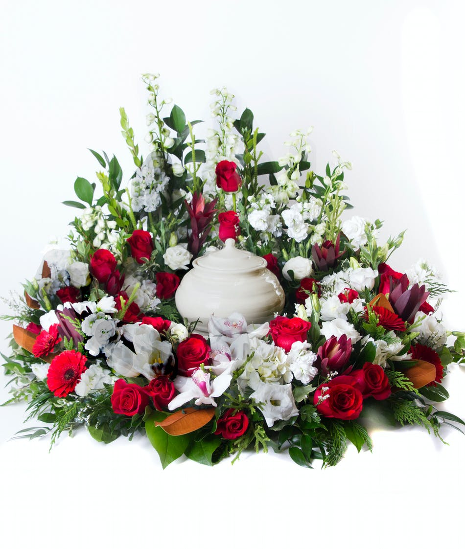 Red White Urn Display Flowers Kittelberger Florist